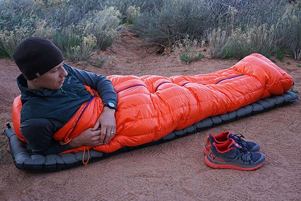 کیسه خواب در سفر