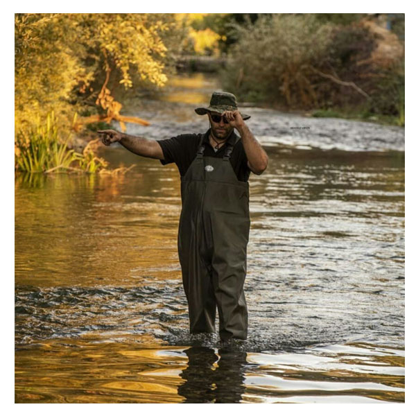 شکارچی رودخانه
