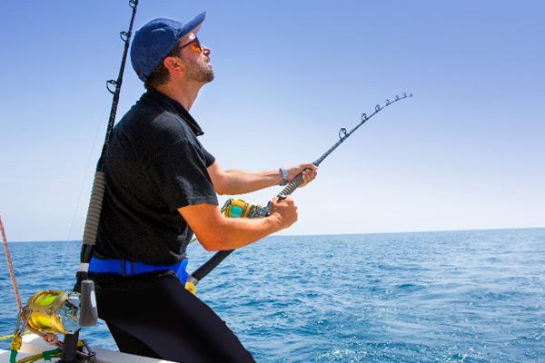 آموزش فنون ماهیگیری و ابزارهای آن