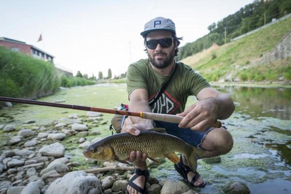 چوب ماهیگیری تنکارا