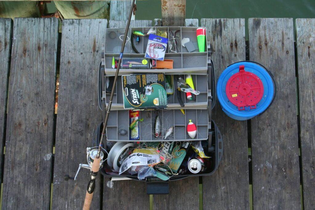 جعبه ابزارهای لازم برای ماهیگیری